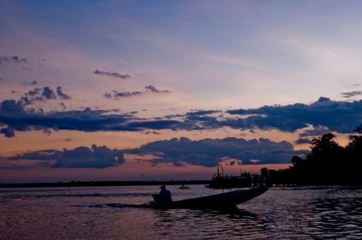 Pescador marajoara ao amanhecer (Foto: Naiana Thiely)