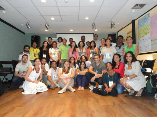 Grupo de paticipantes do seminário sobre turismo de base comunitário em UCs