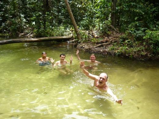 Turistas conhecem a Amazônia convivendo com comunidades tradicionais (Foto: Ana Gabriela Fontoura)