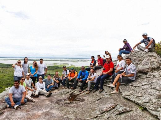Comitiva posa pra foto no alto da Serra do Pilão | Foto: Priscila Olandim