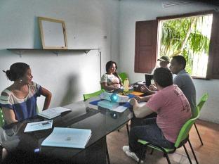 Equipe do projeto se reúne no Núcleo Operacional durante atividades do projeto
