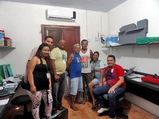 No centro da foto, o escritor e poeta historiador local, Sércio Ferreira, juntamente com o filho Elias Ferreira.