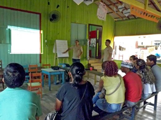 Representantes de entidades parceiras participam de capacitação sobre o projeto Marajó Viva Pesca