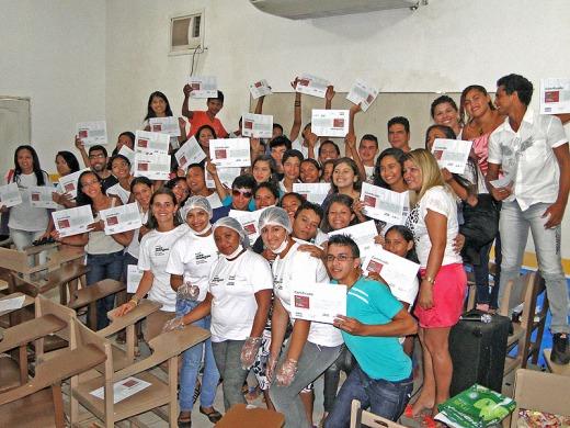 Jovens das duas primeiras turmas do curso de Agentes Ambientais ano 2014.