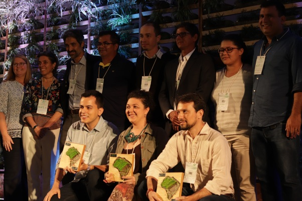 Entrega do Prêmio PPA - Divulgação FIINSA 2